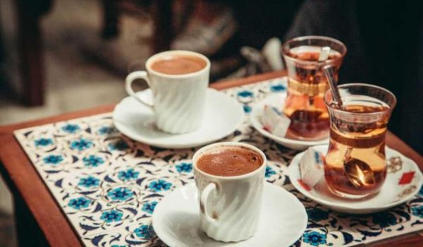 Culture and customs_turkey_istanbul_traditional-tea-coffee